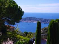 Больша ястудия с видом на море и Èze Village