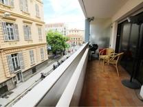 Квартира с большой террасой в центре Золотой площади