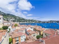 Трехкомнатные апартаменты с видом на Cap Ferrat