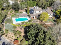 Провансальское имение рядом с полем для гольфа в Биоте