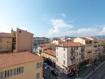Большая квартира рядом с Cinémathèque de Nice