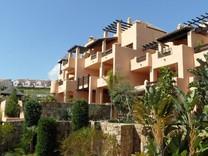 Большая трехкомнатная квартира в Эстепона