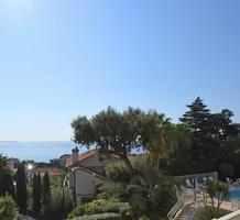 Большие апартаменты рядом с морем в Croix des Gardes, продажа. №36634. ЭстейтСервис.