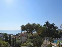 Большие апартаменты рядом с морем в Croix des Gardes