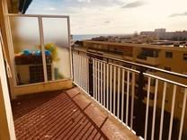 Квартира с видом в резиденции с бассейном