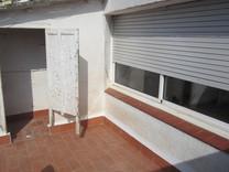 Просторный пентхаус под ремонт в районе Can Carbó