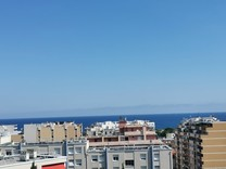 Квартира с видом в километре от моря в Ницце
