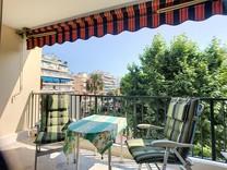 Трёхкомнатные апартаменты в районе Square du Lys
