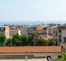 Трехкомнатная квартира в центре с видом на море, продажа. №37317. ЭстейтСервис.