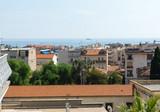 Трехкомнатная квартира в центре с видом на море