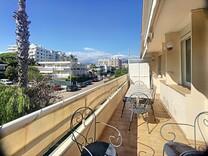 Апартаменты с большой террасой в Каннах
