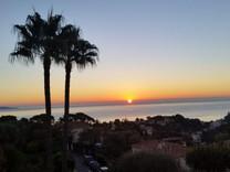 Вилла с видом на море в резидентном районе