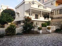 Дом с видом на море и мебелью в Утехе