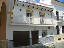 Дом с 3 спальнями в Алаурин-эль-Гранде