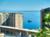 Трехкомнатная квартира с видом на море и Монако