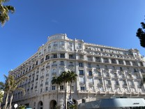 Апартаменты с видом на море в знаменитом Palais Miramar