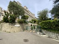 Апартаменты в красивом дворце Riviera Palace