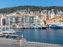 Апартаменты с видом на Port Lympia в Ницце