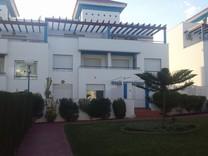 Вилла с четырьмя спальнями в Estepona