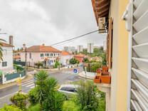 Ухоженный домик в окрестностях Лиссабона - Olivais