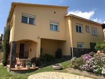 Дом с видом на море в Кастель-Пладжа-де-Аро