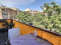 Стильная квартира с открытым видом в Каннах