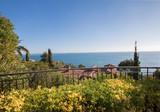 Просторная квартира с террасой и видом на море