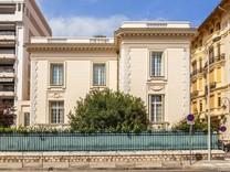 Солидный особняк в центре Ниццы