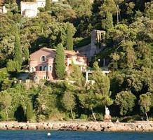 Вилла с видом на море и горы в Теуль-сюр-Мер, продажа. №18616. ЭстейтСервис.