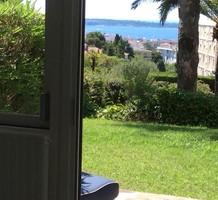 Квартира с садом и видом на море в Каннах, Тасиньи, продажа. №40385. ЭстейтСервис.