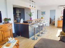 Стильные апартаменты с видом на море в Каннах