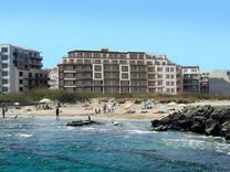 Комплекс апартаментов на первой линии моря в Поморие