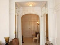 Просторная четырехкомнатная квартира с видом на море в Монте-Карло