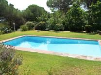 Вилла с большим ровным участком в Sant Andreu de Llavaneres
