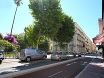 Квартира с ремонтом в 50-ти метрах от Palais de la Méditerranée