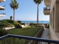 Квартира с видом на море в районе Madone