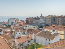 Пентхаус с шикарной панорамой в центре Largo da Graça