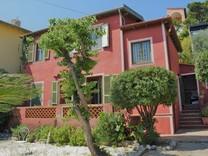 Небольшой дом с красивым садом на Кап Ферра