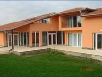 Великолепный дом в Лозенце