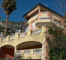Двухкомнатная квартира с видом на море в Roquebrune-Cap-Martin, продажа. №20069. ЭстейтСервис.