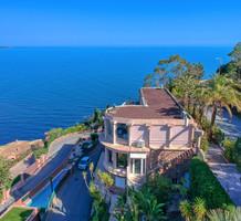 Квартира с видом и частным пляжем в Теуль-Сюр-Мер, продажа. №39751. ЭстейтСервис.