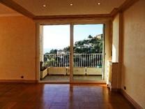 Большие четырехкомнатные апартаменты с видом на море в Монако