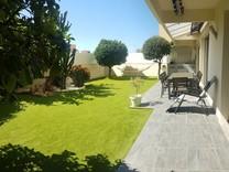 Стильные апартаменты с большой террасой-садом