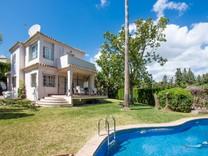 Дом с удобным расположением в Марбелье, Nueva Andalucía