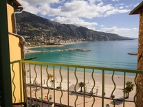 Апартаменты в ста метрах от пляжа Les Sablettes