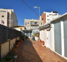 Трехэтажный таунхаус в районе La Prosperitat, продажа. №38755. ЭстейтСервис.
