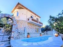 Шестикомнатный дом с басейном в Каннах, Пети Жуа