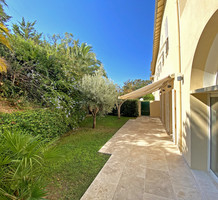Большая квартира с частным садом и бассейном, продажа. №40137. ЭстейтСервис.