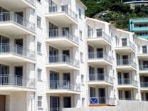 Апартаменты с двумя спальнями с видом на море в Петроваце