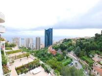 Трёхкомнатная квартира с видом на море и Монако